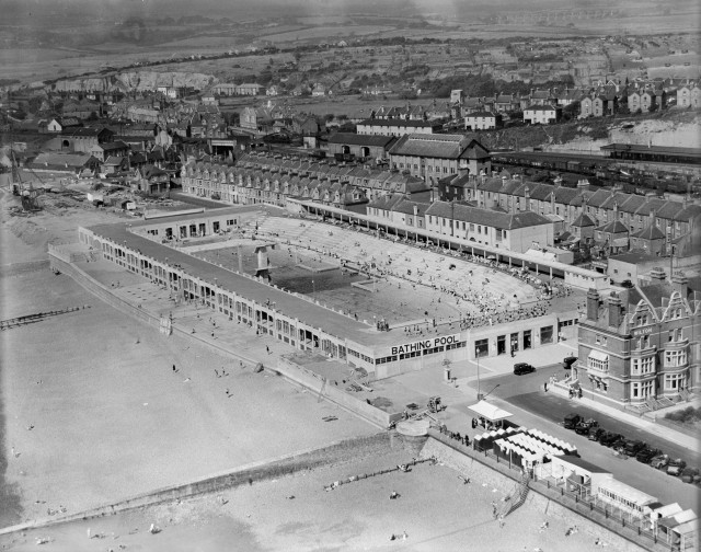 St Leonards Lido, West Marina, 1933 © English Heritage