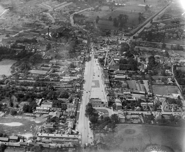 Romford in 1920 was still, at heart, a country town with gardens and fields behind the market square. Today, engulfed within suburbia, it is completely urban and surrounded by car parks and relief roads.