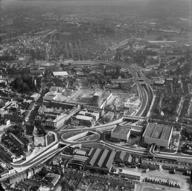 This view of Reading in 1971 exemplifies what was going on all round England at that time as new inner ring roads made their mark on the urban environment.