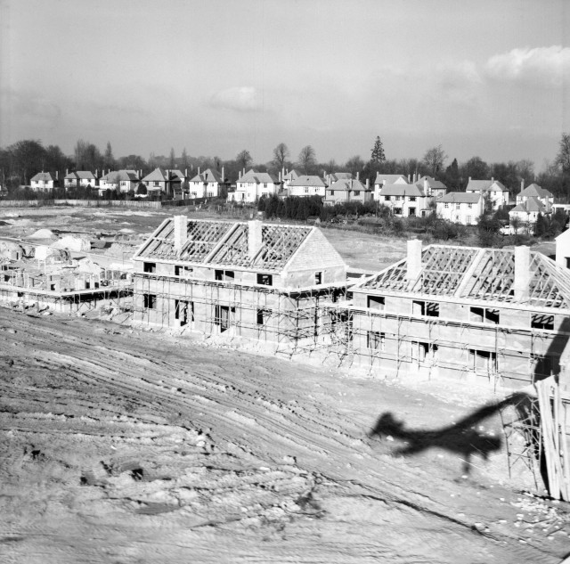 EAW020739, Construction of 34-40 Ravensbury Road, St Paul's Cray, from the south, 24 December 1948