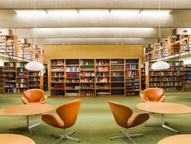 Post War Buildings. St Catherines College, Oxford, Oxon. General view of interior of library designed by Arne Jacobsen.