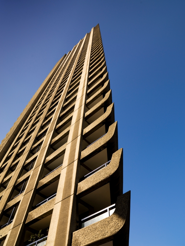 Cromwell House, Barbican 1963-74, Chamberlin, Powell and Bon, grade II (c) James O. Davies/English Heritage