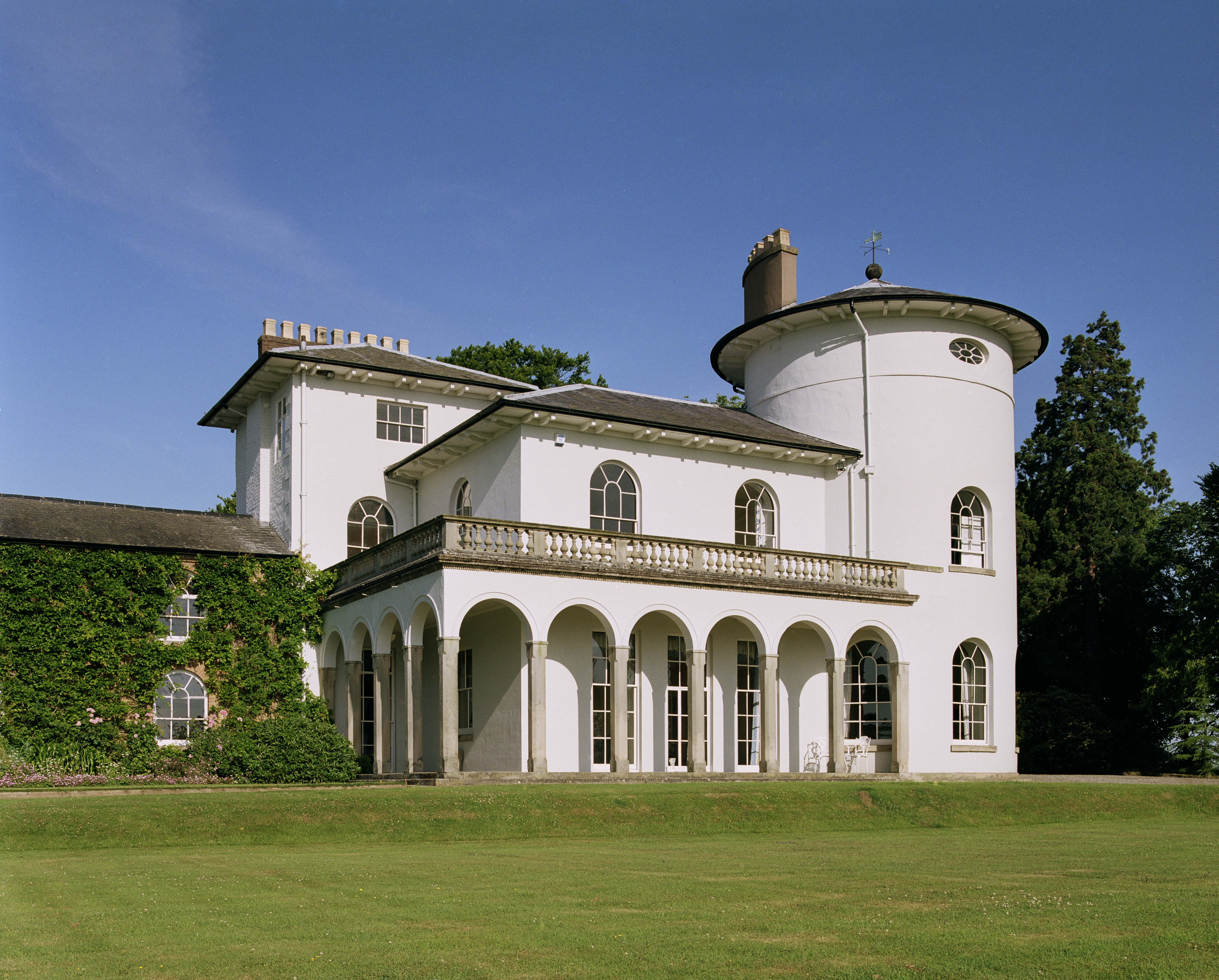 7 fine examples of georgian buildings heritage calling for Georgian house