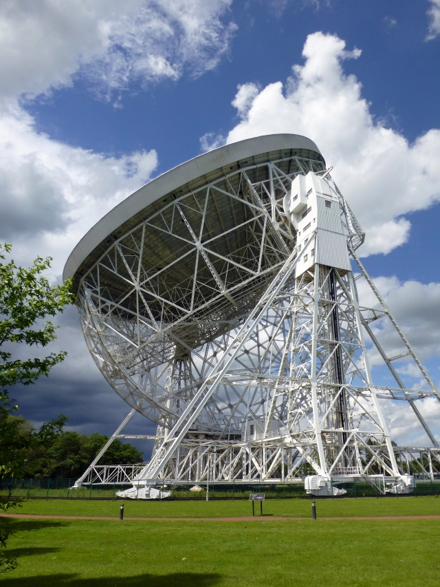 Cheshire Sir Bernard Lovell telescope rt-hand aspect