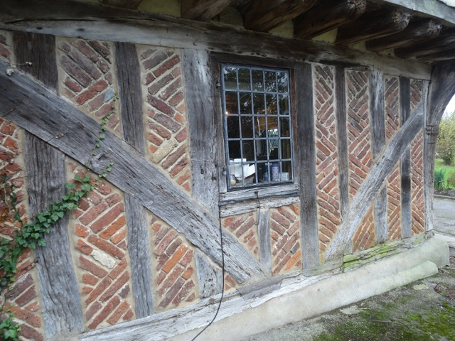 Early use of bricks on a house in Kent
