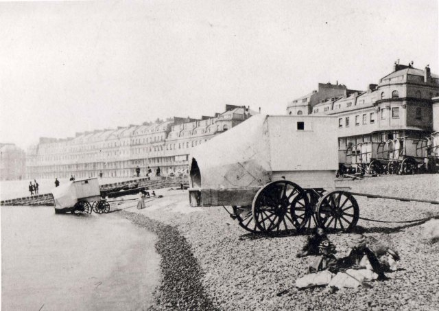 Dover bathing machine BB88-3995
