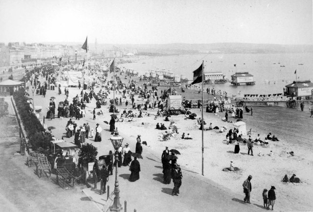 weymouth beach c 1900 bb88_02329