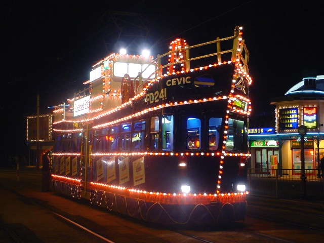 blackpool_trawler_illuminated_tram