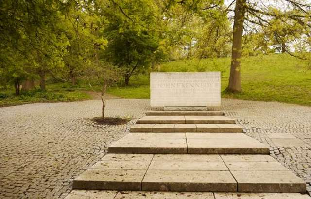 Kennedy Memorial (submitted by David Lovell via Enriching the List c Historic England)