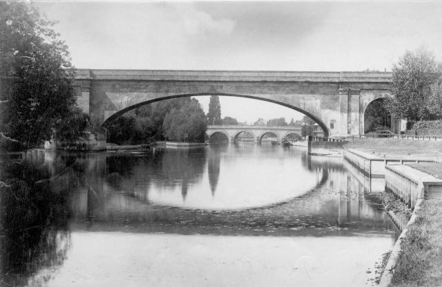 Black and white image of Maidenhead Railway Bridge