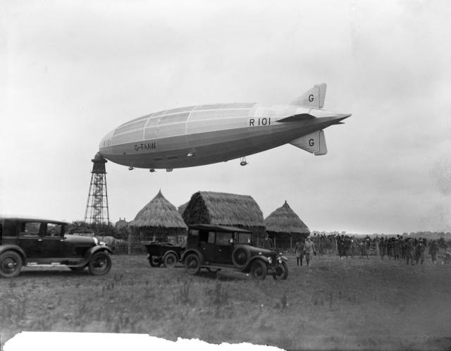 The R101 airship attached to