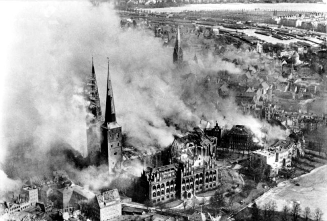 BLOG LUBECK cathedral after raf bombing public domain