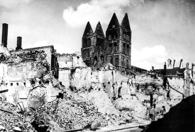 BLOG LUBECK ruins of merchant quarter creative commons german federal archive